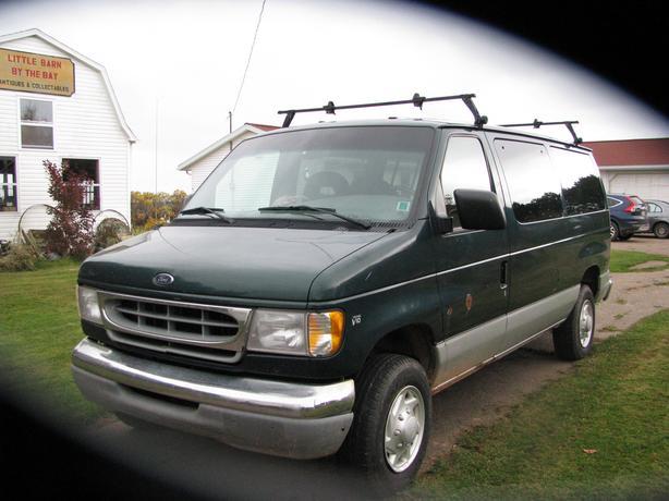 V10 Full Size Van