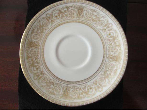 Royal Doulton China.  Pattern: SOVEREIGN