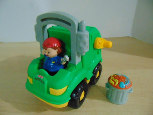 Fisher Price Little People Real Sounds Rare Garbage Truck