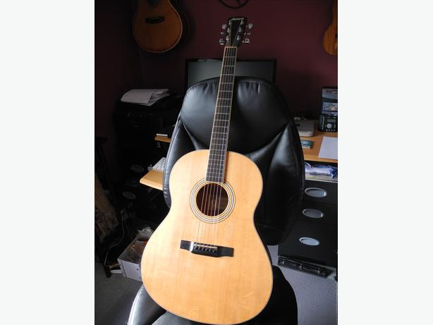 larrivee lo3 acoustic guitar with case price reduced outside victoria victoria. Black Bedroom Furniture Sets. Home Design Ideas