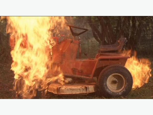 WANTED: Buying your unwanted/junk lawn mowers snowblowers