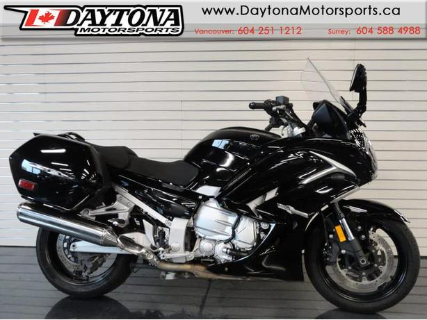 * SOLD * 2014 Yamaha FJR 1300 ES Sport Touring Motorcycle