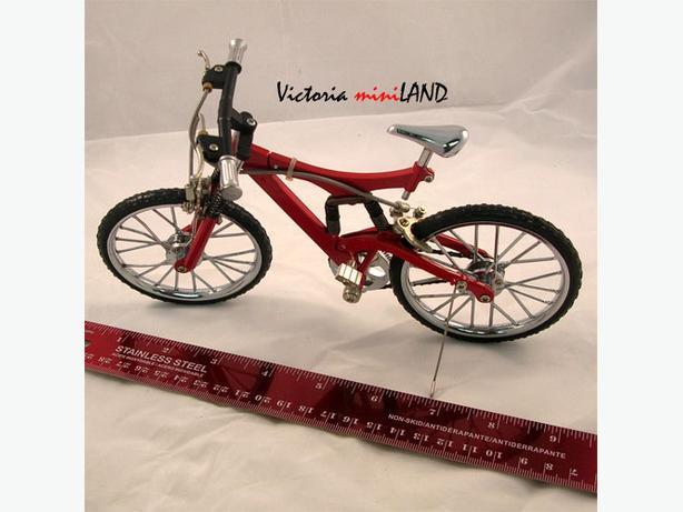 Die Cast Metal Bike model 1:10 KIT new in box