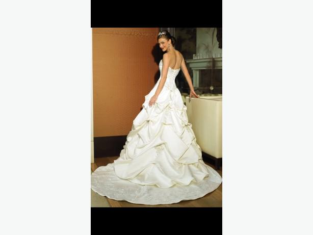 over 20 brand new wedding dresses for sale!!