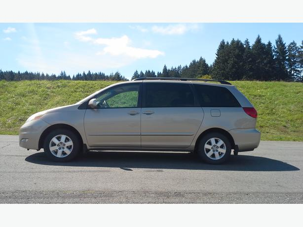 2006 Toyota Sienna LE - $9850 OBO