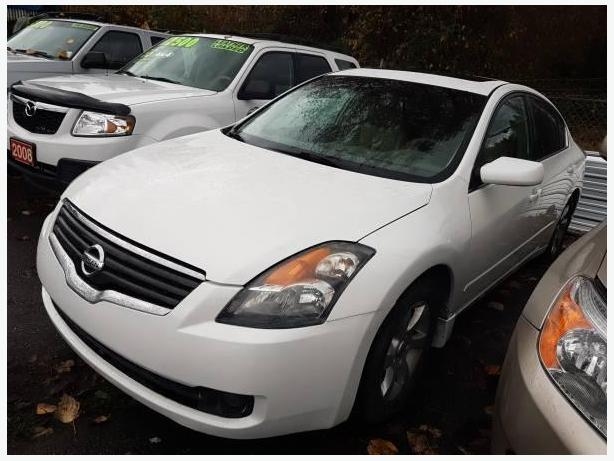 2009 Nissan Altima 2.5 S/L, with Sunroof and Leather