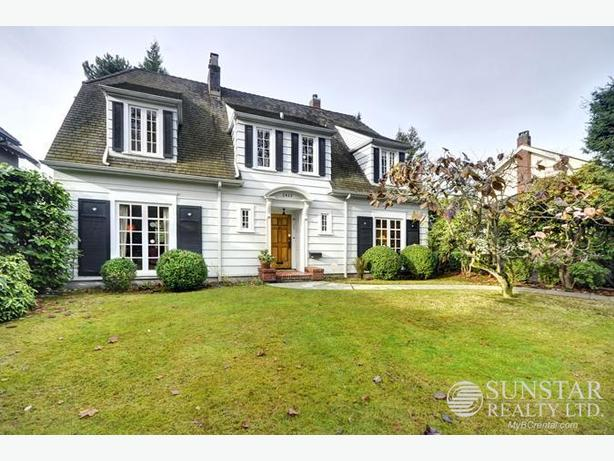 South Granville 2400sf 3 Bed + Den House w/ 3 Fireplaces & Yards