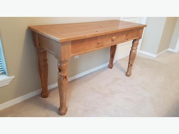 Broyhill Solid Pine Sofa Table Saanich Victoria