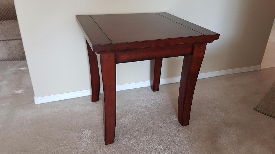 Coffee table two end tables saanich victoria mobile for Coffee tables london ontario