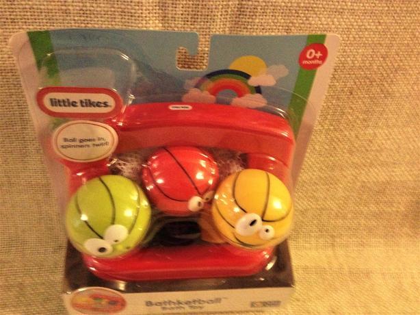Little Tikes Bathketball™ Bath Tub Toys
