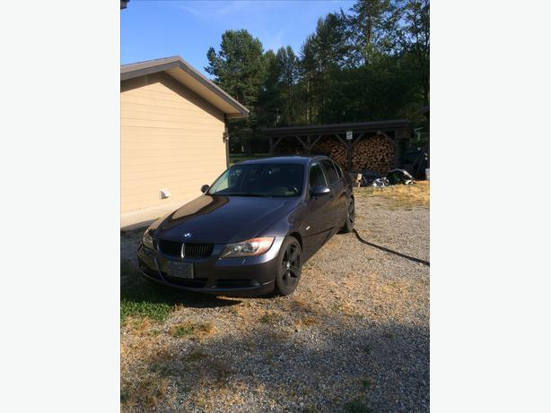 2006 BMW 325xi - 6 Speed Manual - AWD