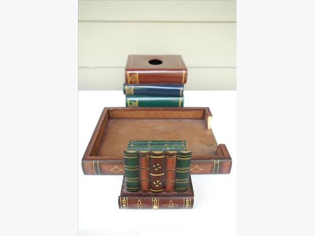 4-Piece Set Of Library/Book Themed Accessories