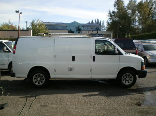 2009 Chevrolet Express 1500 Cargo, V6