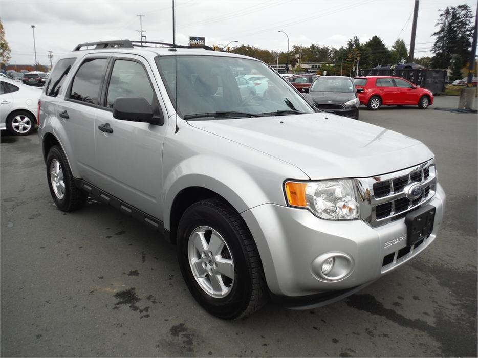 2011 ford escape xlt bluetooth sync alloy new tires west shore langford colwood metchosin. Black Bedroom Furniture Sets. Home Design Ideas