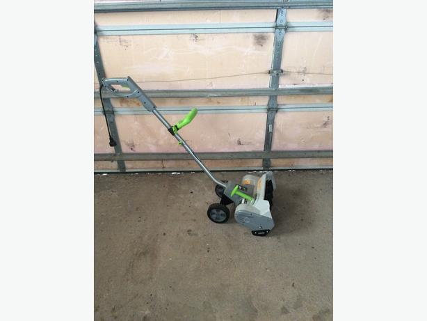 "Earthwise 14"" Electric Snow Thrower"