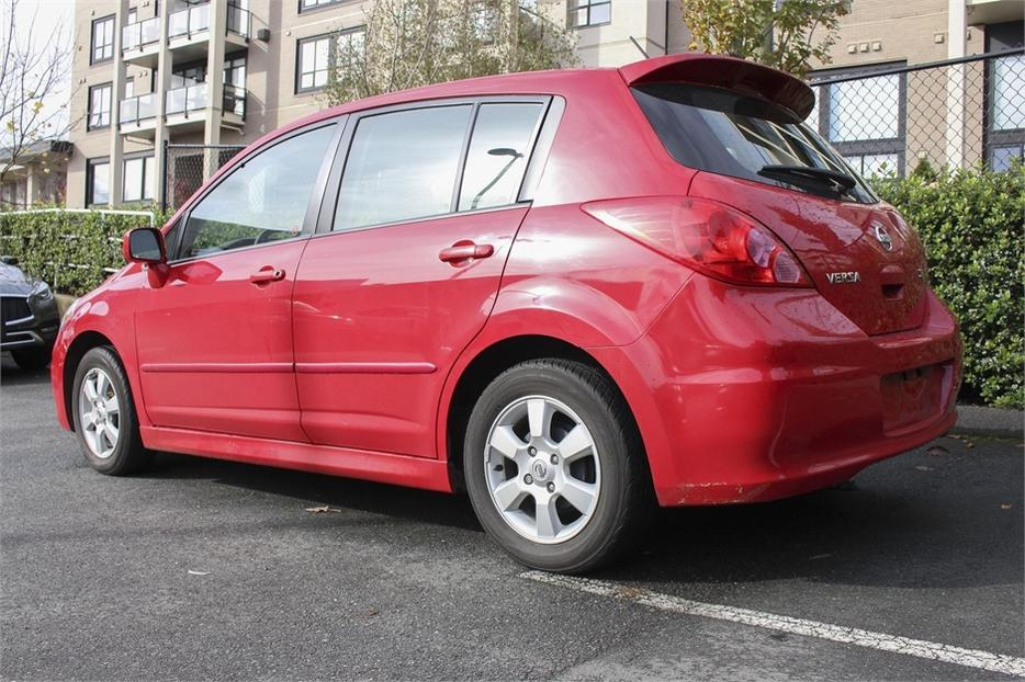 2010 nissan versa 1 8 sl outside nanaimo parksville qualicum beach mobile. Black Bedroom Furniture Sets. Home Design Ideas