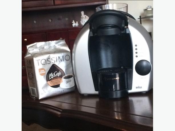 Braun 3107 Tassimo Coffee Maker plus coffee Victoria City, Victoria