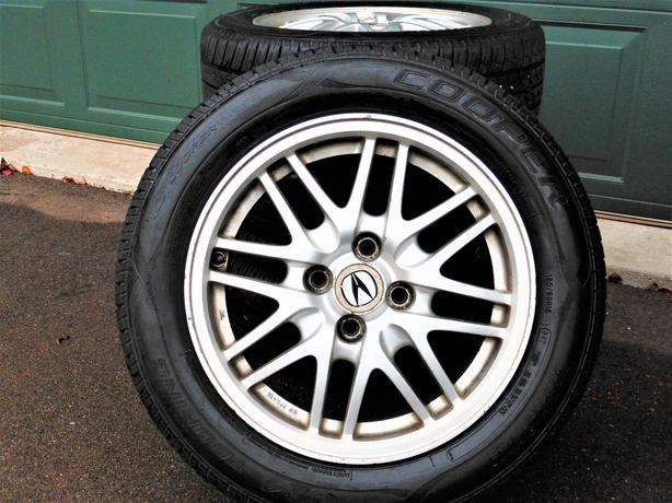sport tires on aluminium rims 185 60 r15 charlottetown pei. Black Bedroom Furniture Sets. Home Design Ideas