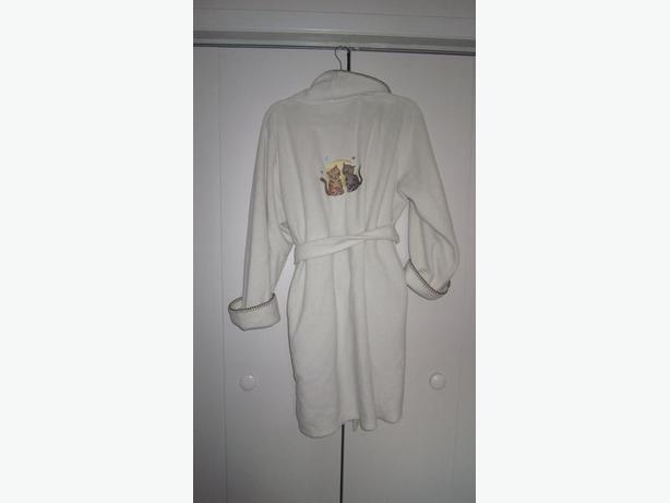 Ladies housecoat with cats on it