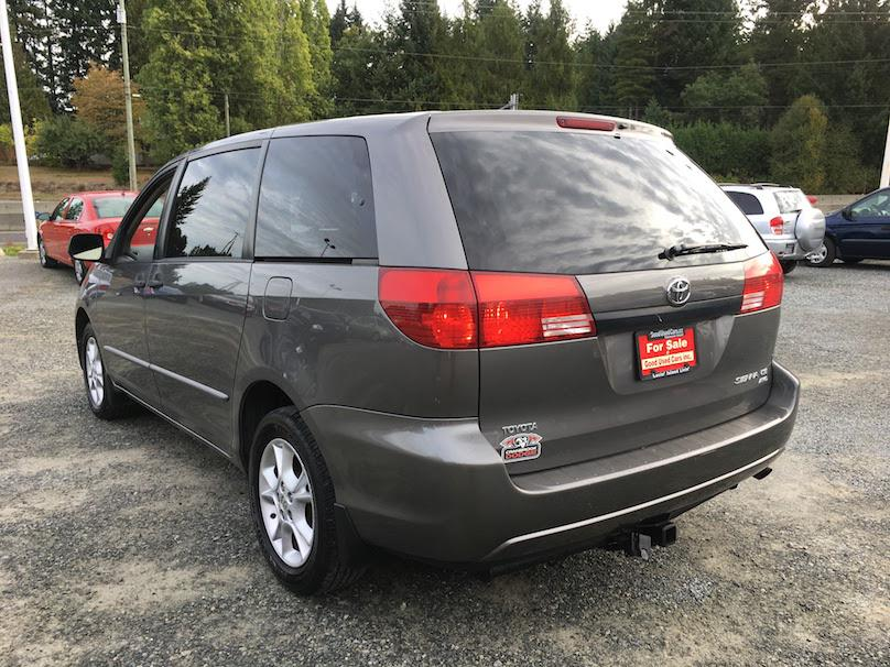 2005 toyota sienna ce all wheel drive fold down rear seat outside nanaimo nanaimo mobile. Black Bedroom Furniture Sets. Home Design Ideas