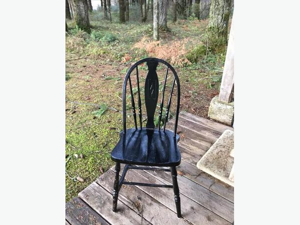 Black wooden dining room chair