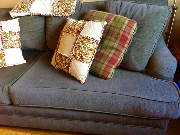 sofa and matching chair with ottoman north nanaimo nanaimo. Black Bedroom Furniture Sets. Home Design Ideas