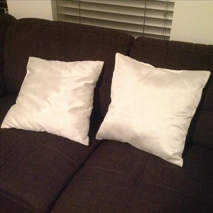 Decorative Pillows Victoria Bc : 2 white throw pillows *NEW* Victoria City, Victoria - MOBILE