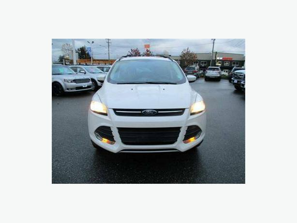 2013 Ford Escape SE 4x4 Ecoboost Leather and Navigation
