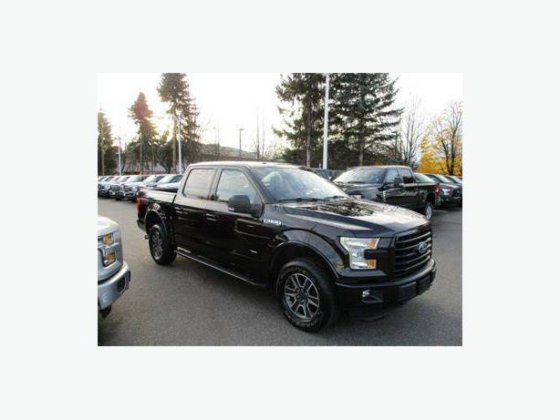 2015 Ford F-150 Sport FX4 *Black* Twin panel moonroof and Navigation!