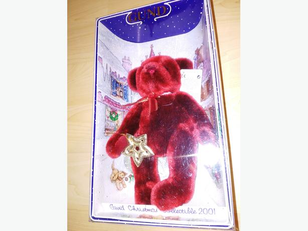 Collectible Gund Bear - Christmas Bear 2001 Yulebeary