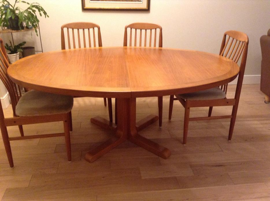 Large Teak pedestal dining table Victoria City Victoria : 56456752934 from www.usedvictoria.com size 934 x 697 jpeg 71kB