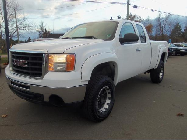 2007 GMC SIERRA 2500 HD EXT CAB !! 4X4 !! 6.0LT GAS !!