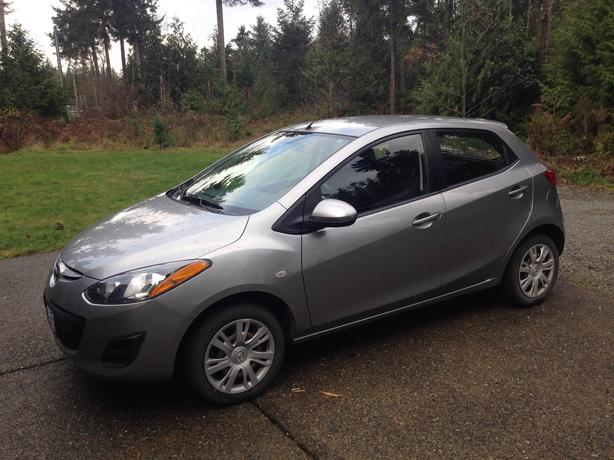 Price Reduced! Beautiful 2011 Mazda 2