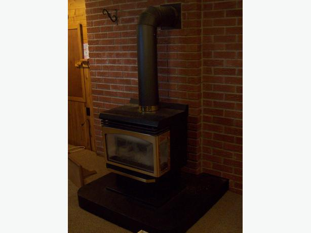Insta-Flame FS-30 Propane Gas Freestanding/Pedestal Stove