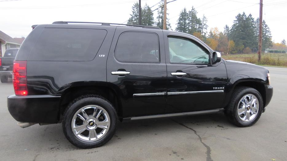 Clearwater Used Chevrolet >> 2009 CHEVROLET TAHOE LTZ (LOADED! FINANCING AVAILABLE!) Outside Victoria, Victoria