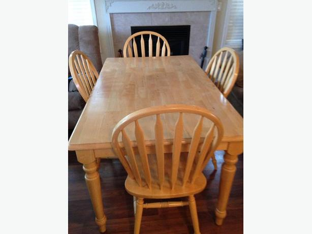 Solid Pine Kitchen Table & 6 Chairs