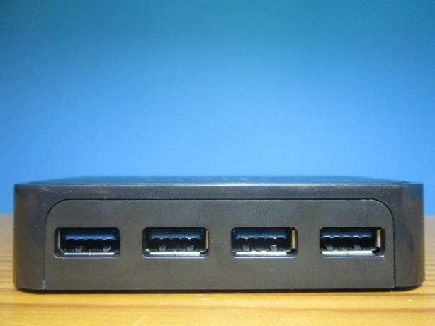 DYNEX USB 3.0 HUB (MODEL DX-U34H41)