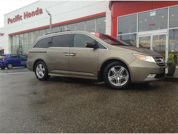 2013 Honda Odyssey LOCAL CERT. TOURING W/ NAVI & DVD