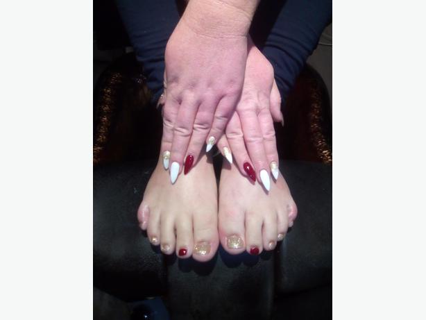 New Nail's for Christmas party's in lake cowichan and area
