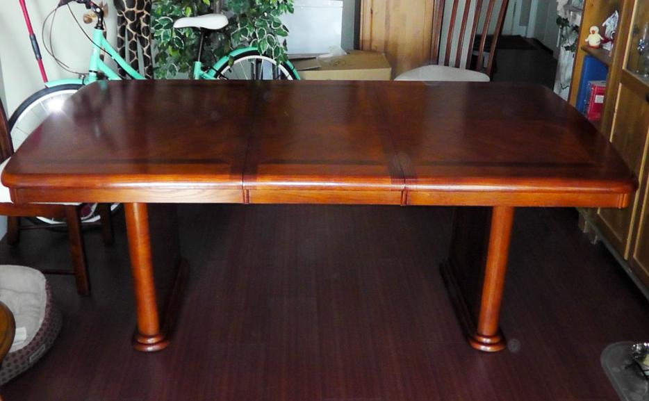 Dining room table victoria city victoria for Dining room tables kelowna