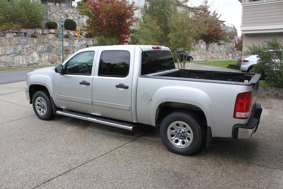 Gmc crew cab sierra 1500 west shore langford colwood for 100 taunton terrace oshawa