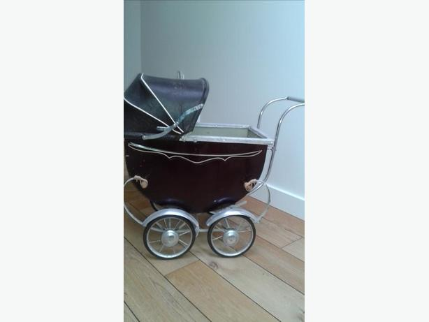 Vintage Doll's Carriage
