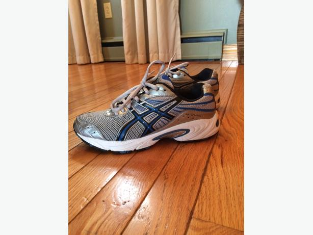 "Men's Sz 6 ""Asic""Gel Sneakers"