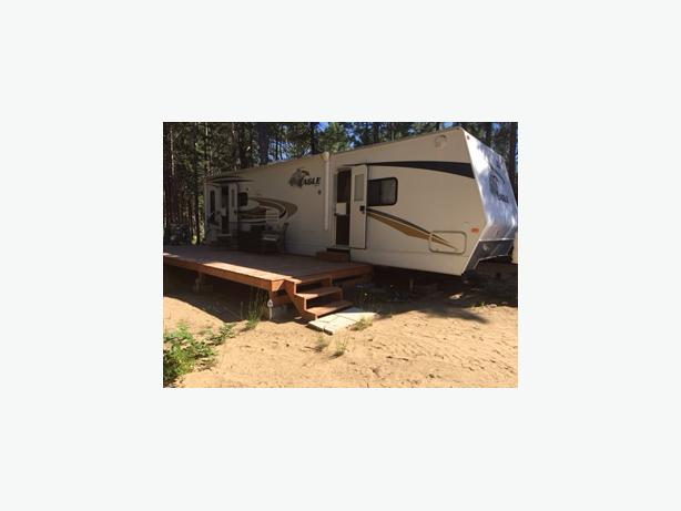 "2008 32"" Jayco Eagle Travel Trailer"