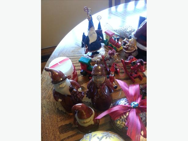 Assorted Christmas Decor Items