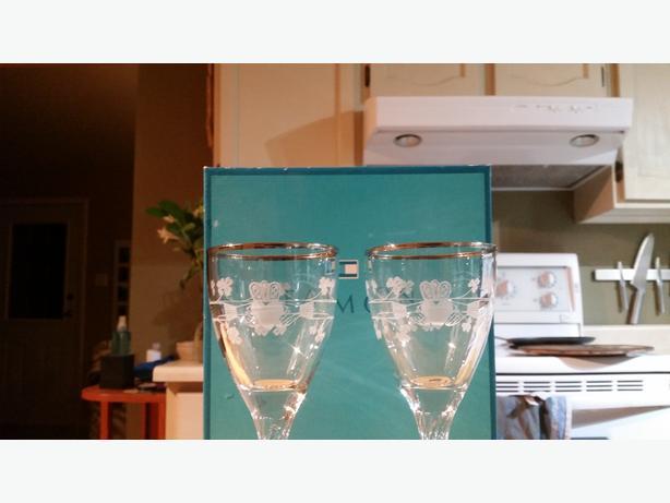 Claddagh wine glasses