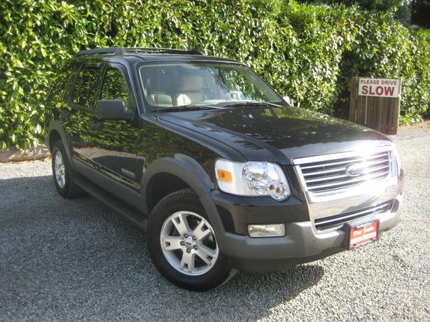 2006 Ford Explorer XLT - Huge NOV Sale !!!