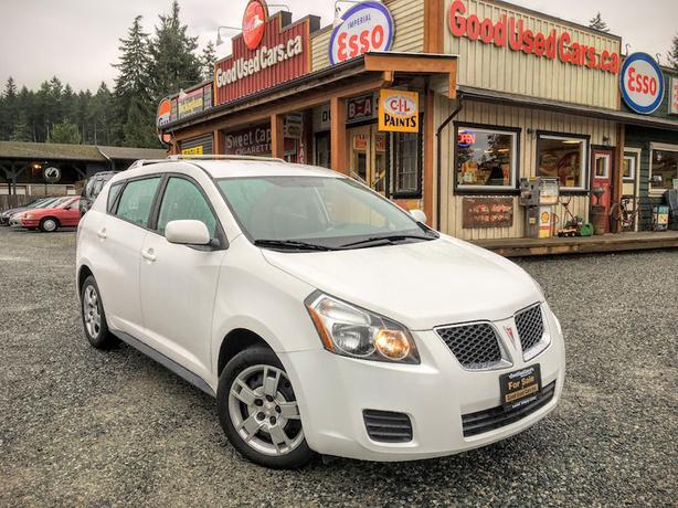 2009 Pontiac Vibe - Versatile Hatchback! Low KM!
