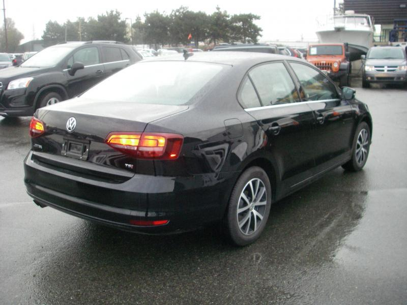 2016 volkswagen jetta comfortline tsi outside nanaimo nanaimo. Black Bedroom Furniture Sets. Home Design Ideas