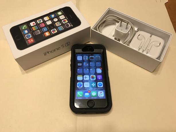 iPhone 5S with 32 GB Memory - with Eastlink